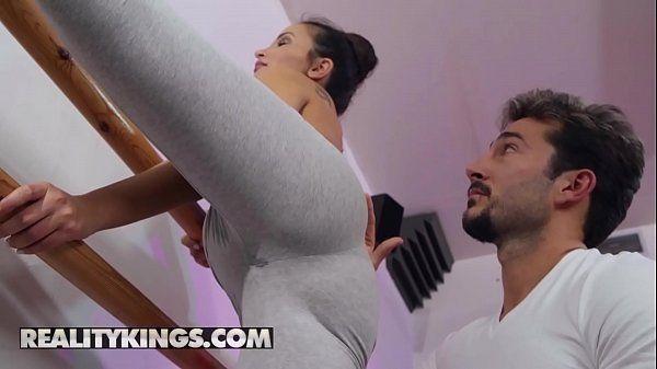 Porno dp – Bailarina dando de quatro
