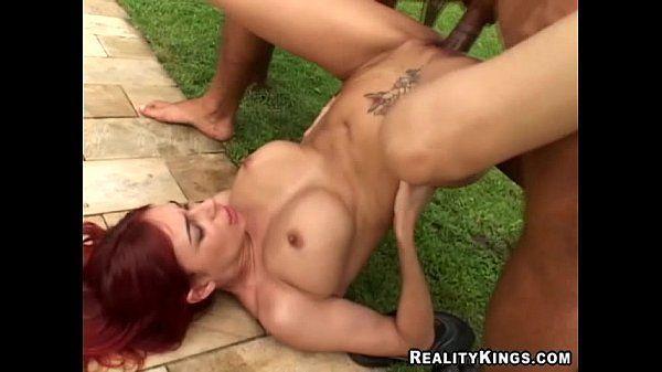 Mulher gostosa fodendo muito com o dotado em porno violento