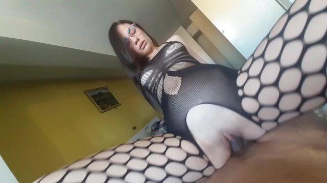 Novinha no sexo dando a buceta gozada